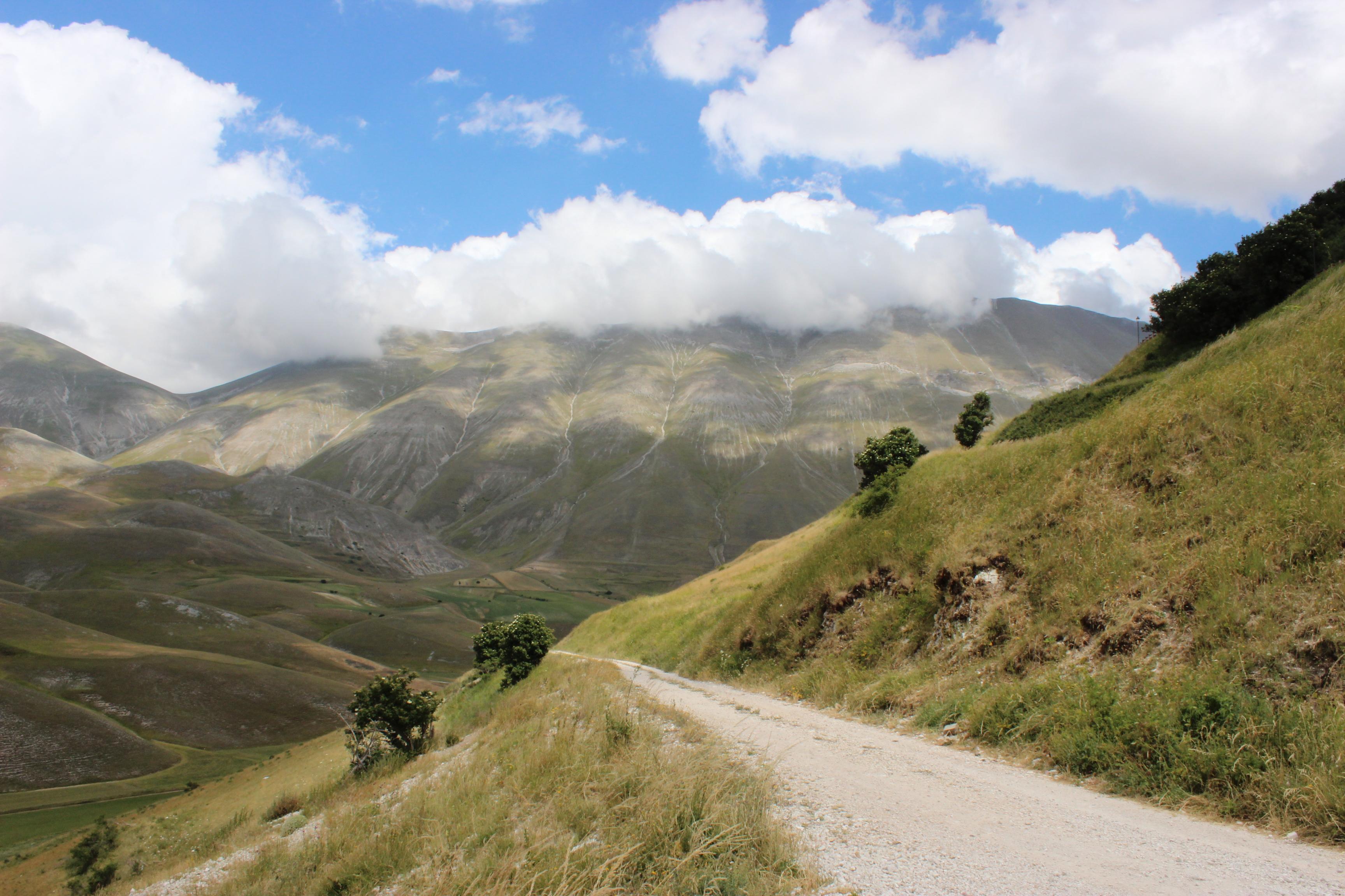 Auffahrt zum Rifugio Monte Sibilla
